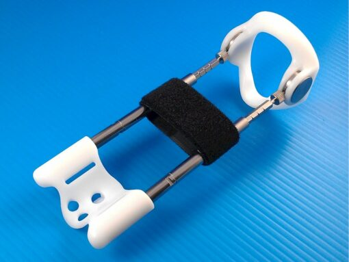 The PYS strap can span the rails of the traction rig so the shaft can be routed above or below the strap